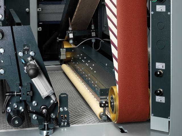 Cross belt sanding unit for a high gloss finish
