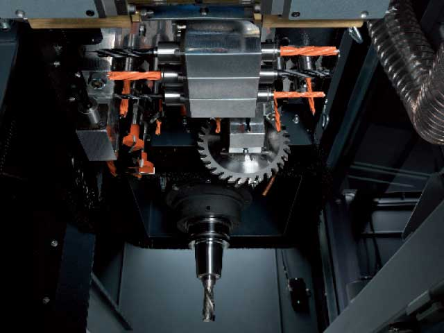 Main spindle and drilling head are continuously adjustable