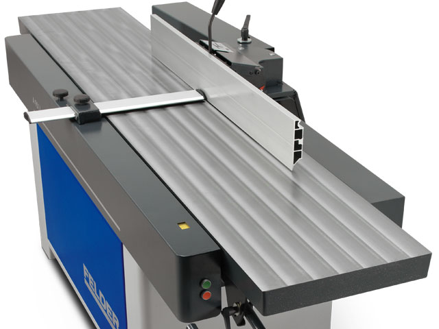 2.700 mm jointer table length