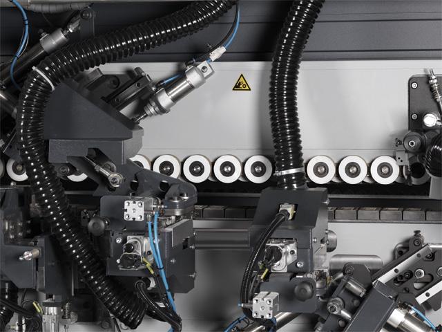 Zweimotoriges Doppeleckenrundungsaggregat