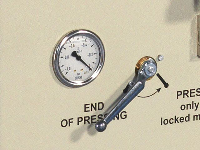 Vákuummérő, vákuuméter