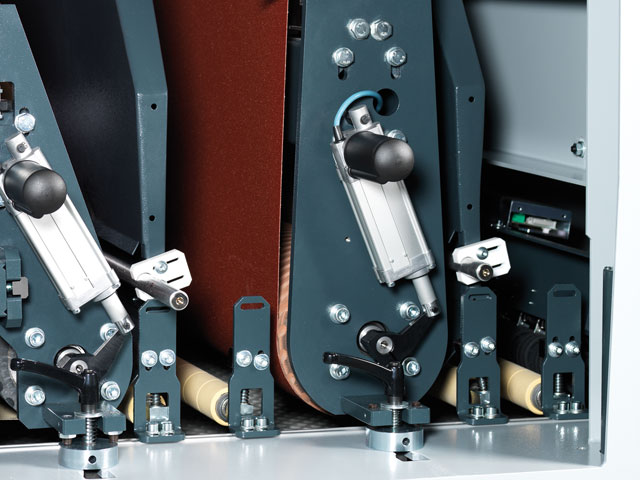 Agregado de rodillos de contacto y agregado combinado con patín de lijado segmentado, electroneumático