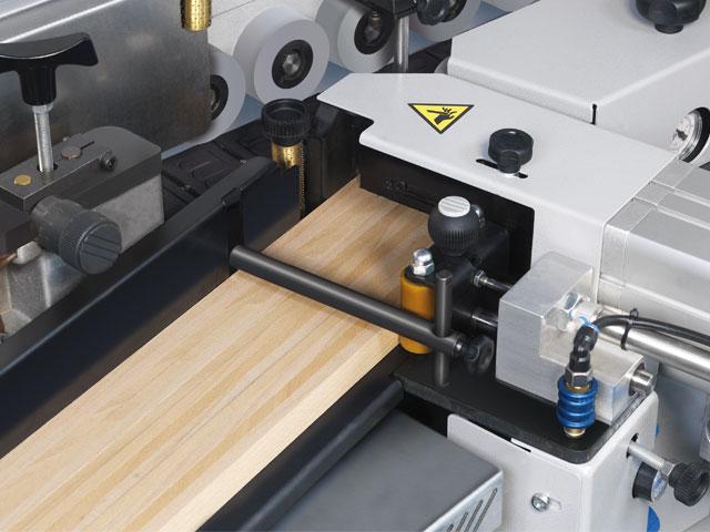Guiado de cantos + Cizalla de recorte para materiales enrollados o en tiras de hasta 60 mm de espesor